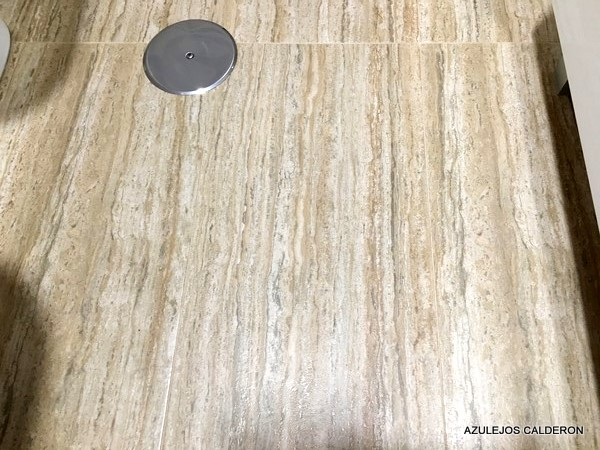 SUELO PORCELANICO TIPO TRAVERTINO DE 30x60