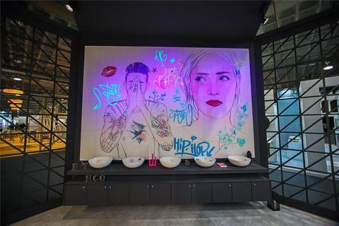 Azulejos Calderon - Bathco sorprende en Cevisama con sus lavabos y murales lumínicos - Azulejos Calderón